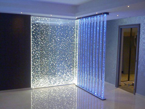 partisi ruangan minimalis dari akrilik kaca