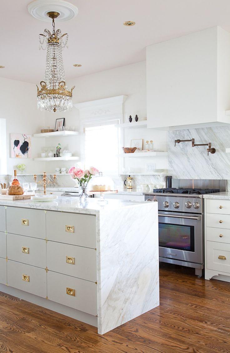 Desain Dapur Cantik Warna Putih Ukuran 3x3 Milik Kimberly Duran